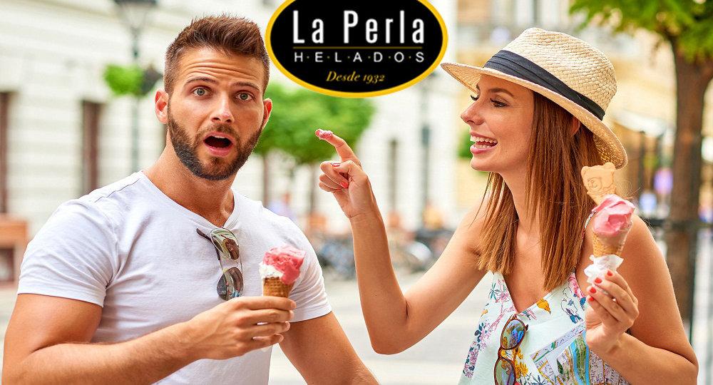 pareja-comiendo-un-helado5